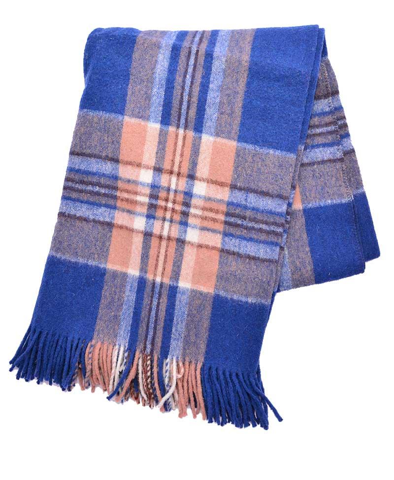 Couverture de laine d alpaga et de mouton à carreaux (Choix ... 05a07f7e2a6